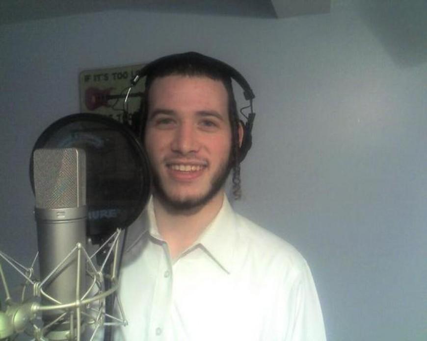 Motty Ilowitz singing choir on his composition for Shloime Gertner's album