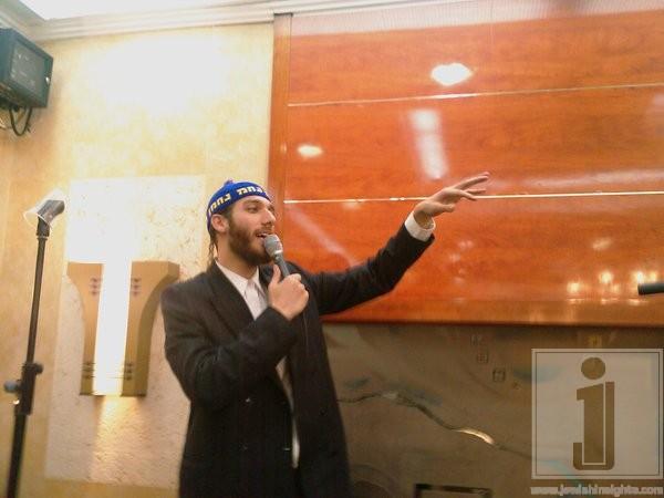 Beri Weber singing Nachman Me'Uman