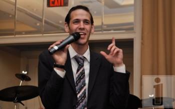 Yosef Wartelsky singing @ Aryeh Kunstlers wedding