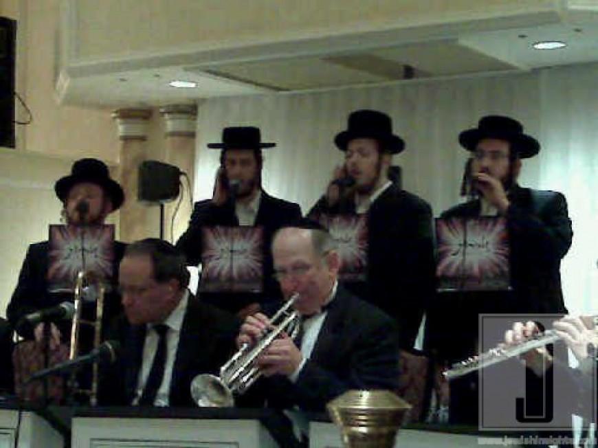 Zemiros Choir on a job!