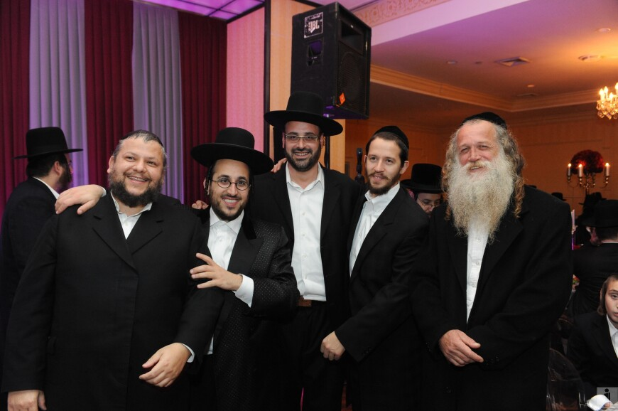 Chazzan Helfgot, Lipa, Yeedle, Shloime Gertner & Yitzchak Fuchs @ Sholi Richters son Bar Mitzvah last night