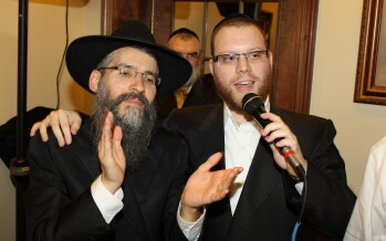 "Yumi Lowy & Avraham Fried singing for ""Kids Of Courage"""