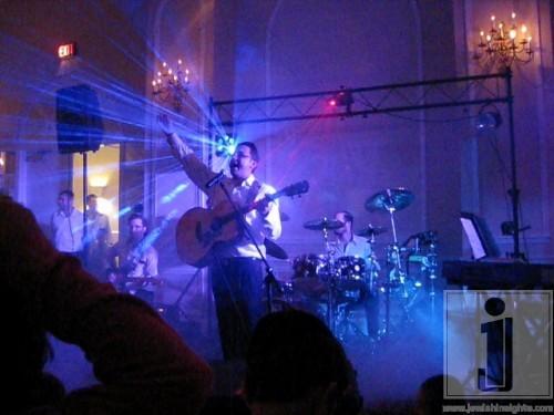 Shua Kessin in The Berkeley Hotel Motzoei Shabbos Chol Hamoed Sukkos 2010 3