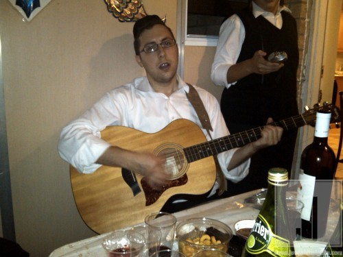 Shua Kessin in Williamsburg Chol Hamoed Sukkos 2010