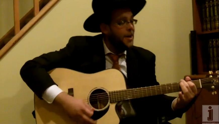 """Rabbi Simcha Sussman singing Shlesheles's """"Meheira"""""""