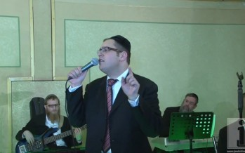 Dovid Gabay sings at Wedding