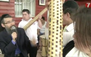 Avraham Fried Sings Aleh Katan with Special Children