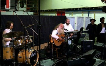 Lag Bomer Kumzits with Yitzchak Fuchs in London