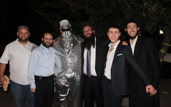 2000 Gather for Simchas Bais Hashoeva in Los Angeles