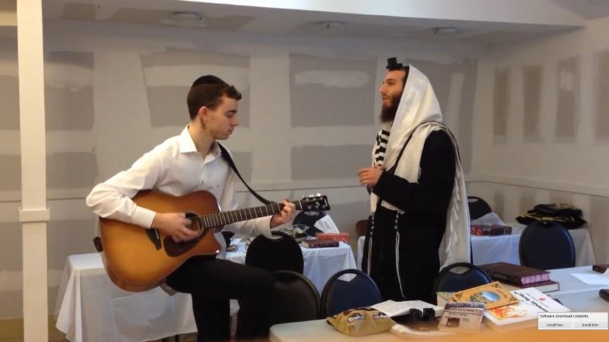 Beri Weber: Hashem Melech Acoustic
