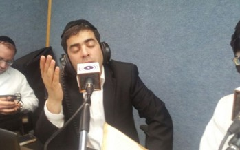 "Eli Hertzlich Simchas Yom Tov At ""Radio Kol Chai"""