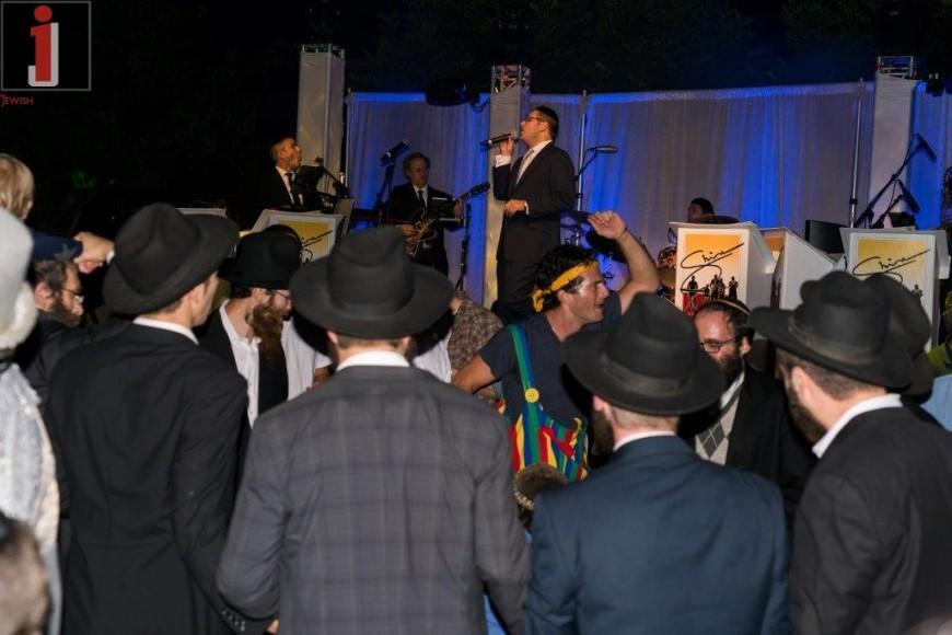 Dovid Gabay Wows Los Angeles at Simchas Bais Hashoeva