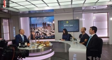 """Chassidic Super Star Eli Herzlich Captures Viewers On Israel's """"Channel 2″ [Photos]"""