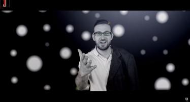 Micha Gamerman  – Rak Simcha [Official Music Video]