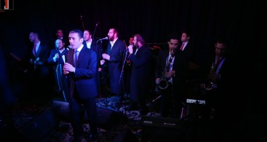 Straight Up Dance! EvanAl | Dovid Stein | Zemiros