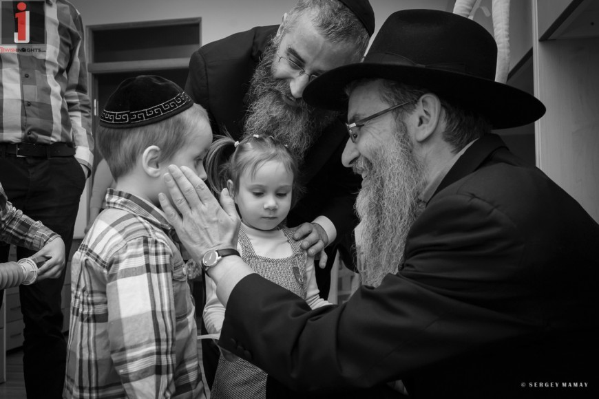 Why Did Avraham Fried Cry At Mishpacha