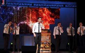 Chazaq Big Event Draws Big Names in Torah, Politics, Entertainment  Thousands gather for pre-Passover inspiration