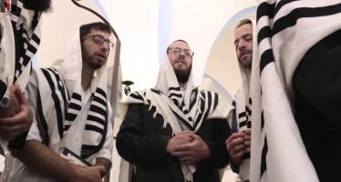Yechadshehu – Yerucham Gold & Meitarim Choir