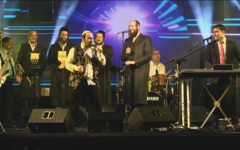 Lipa Schmeltzer & Motty Steinmetz With Malchus Choir By A Concert In Israel