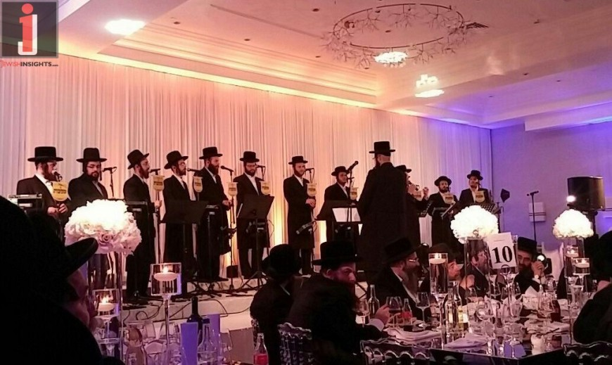 "The Malchus Choir of London Performs with Motty Ilowitz ""Modim"" – Acapella!"