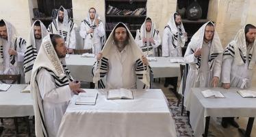 "Dudi Kalish, Ari Hill & Kolot Choir ""Eilu V'eilu – Shirei Menachem"""