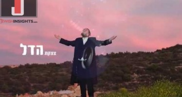 "Singing For The Poor: Yitzchak Reiss In His Third Single ""Kol Atzmotai Tomarna"" [MUSIC]"
