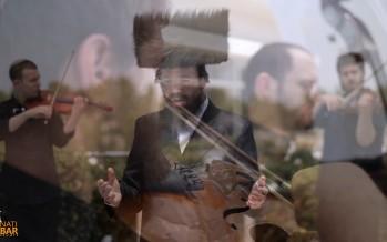 "Chazan Binyamin Neufeld In His Debut Video With The Naria Choir ""Chupa Medley"""