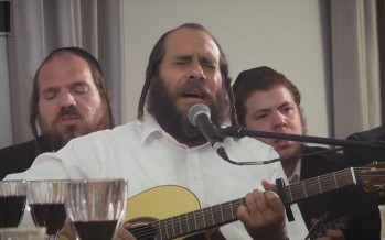 R' Mordechai Gottlieb & Friends Sings Carlebach