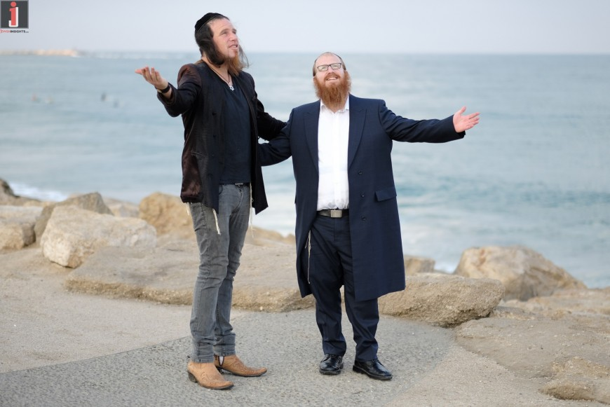 "Mordechai Roth & Eliezer Botzer ""Gornisht"" [Music Video]"