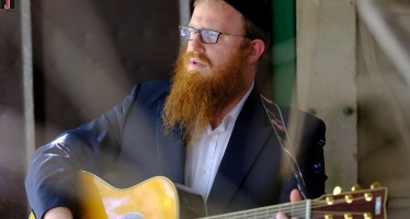 "Mordechai Roth Releases New Hit Single ""Olam Habah"""