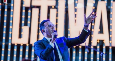 Shwekey at Universal Studios CityWalk Chabad of the Valley – 18th Year Chanukah Celebration