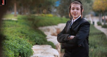 Only 13 Years Old And Already An Producer & Arranger: Itzik Berger's Purim Performance