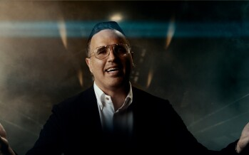 The Time To Love Has Arrived! Yaakov Shwekey With A New Music Video