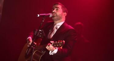 """Hamelech Basadeh: Eli Herzlich """"Melech Yochid"""" LIVE"""