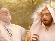 "Michoel Schnitzler & Yossi Lebowitz Sing: ""Al Das Hamukom"""